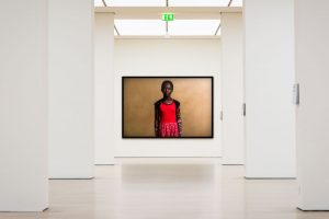 Adrian Kuipers - Viviana The Future Journalist - Limited Gallery Edition - Preview 2