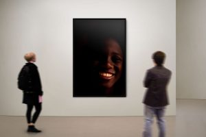 Adrian Kuipers - A Smile From The Dark - Limited Gallery Edition - Preview 3